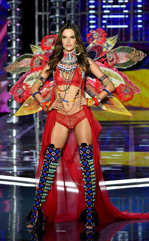 2017 Victoria secret fashion show ALESSANDRA AMBROSIO