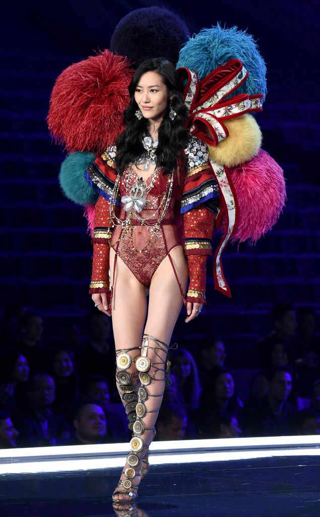 2017 Victoria secret fashion show LIU WEN