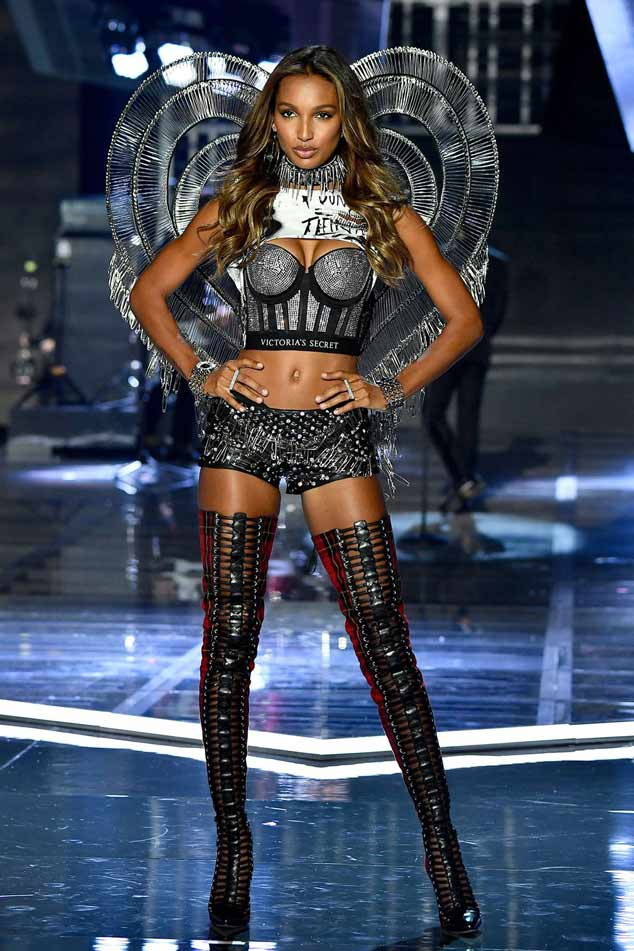 2017 Victoria secret fashion show jasmine tookses
